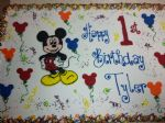 Mickey_Mouse_sheet_cake.jpg